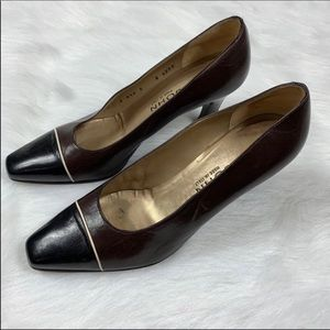 St. John Black And Brown Pumps Size 8 1/2
